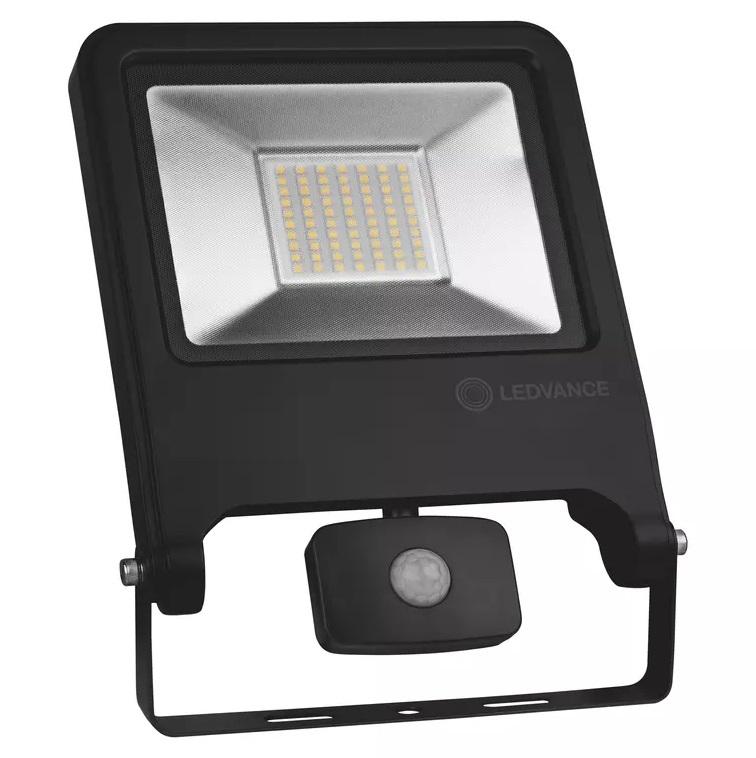 Reflektor LED LEDVANCE IP44 4058075268746 FLOODLIGHT VALUE Senzor 50W 4000 K 4500lm IP44 BK senzor čierny 3Y+ (RP7) ref 50s